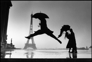jumping-man--and-eiffel